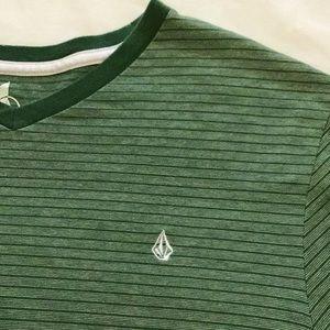 Volcom   Men's T-Shirt size XL